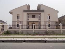 Exquisitely Finished Humongous 5 Bedroom Luxury Duplex With 2 Rooms Boys Quarters (waterview), Lekki Phase 1, Lekki, Lagos, 5 bedroom, 6 toilets, 5 baths Detached Duplex for Sale