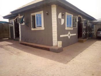 3 Bedroom Bungalow, Alaro Area Near Gbopa Area Off Ido/eruwa Road Ologuneru Ibadan, Ido, Oyo, Terraced Bungalow for Sale
