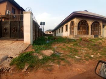 2 Flat, Ugbor Village Road, Benin, Oredo, Edo, Block of Flats for Sale