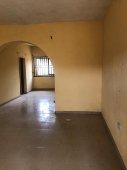 Very Nice and Spacious Three Bedroom Flat Very Close to The Express, Oshinowo Avenue, Elewure Akala Express Way, Ibadan, Oyo, House for Rent