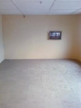 Penthouse 3 Bedroom Flat with Panoramic View Large Balcony, Ebute Meta By Railway, Ebute Metta East, Yaba, Lagos, House for Rent