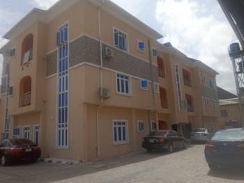Lovely and Well Maintained 3 Bedroom Service Flat, Berra Estate Chevron, Lekki, Lagos, Flat for Rent