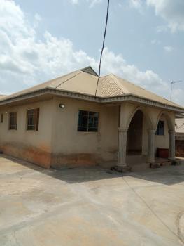 3 Bedroom Flat of 2 in The Compound, Flamingo Street Liberty Garden Estate, Abela Area Ile Tuntun, Nihort, Jericho, Ibadan, Oyo, Mini Flat for Rent