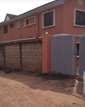 3bedroom with 2toilet, 2bathroom, 1store. Upstairs and  Downstairs., Off Ringroad ., Challenge, Ibadan, Oyo, Flat for Sale
