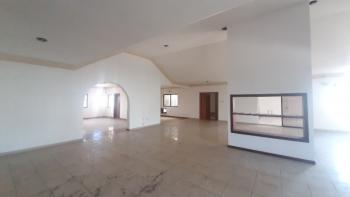 Massive 4 Bedroom Apartment, Off Admiralty Way, Lekki Phase 1, Lekki, Lagos, Flat for Rent