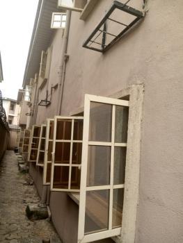 Spacious 4bedroom Flat Upstairs, Off Falolu Street, Ogunlana, Surulere, Lagos, Flat for Rent