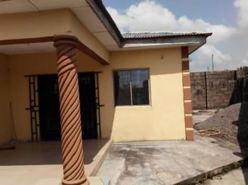 10 Bedroom Bungalow, Ranodu, Simawa, Ogun, Detached Bungalow for Sale