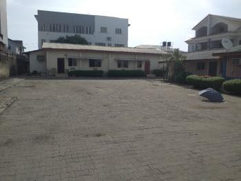 Spacious Hall with 5 Rooms Office Space Sitting on 2 Plots, Lekki Right By Petrocam Filling Station, Lekki Phase 1, Lekki, Lagos, Commercial Property for Rent