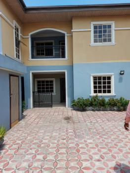 Lovely 3 Bedroom Flat Upstairs, Sabio Ajose Off Bode Thomas ., Surulere, Lagos, Flat for Rent
