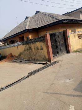 Fantastic 3 Bedrooms Bungalow, Pilot Crescent, Surulere, Lagos, Detached Bungalow for Sale