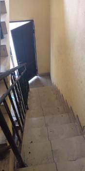 2 Bedrooms Flat Upstairs, Down Orchid Hotel Road, Chevron, Lafiaji, Lekki, Lagos, Flat for Rent