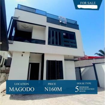 Contemporary Luxury 5 Bedroom Duplex, Magodo, Lagos, Detached Duplex for Sale