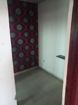 Lovely One Small-room Bq, Pent Floor,(no Kitchen), Admiralty Homes Estate, Off Alpha Beach Road, Before Chevron, Igbo Efon, Lekki, Lagos, Self Contained (single Rooms) for Rent