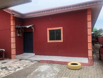 2 Bedrooms Bungalow Flat, Lekki Phase 1, Lekki, Lagos, Detached Bungalow for Rent
