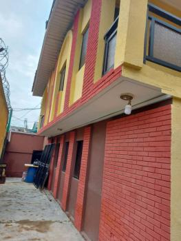 Lovely 2 Bedroom Flat, All Ensuite, Upfloor, Gated Compound with Carpark, Anjorin, Off Cole Street, Surulere, Lagos, Flat for Rent