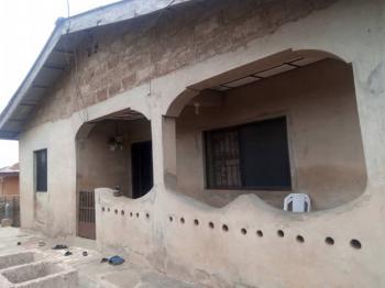 3 and 4 Bedroom Apartment, Idi Omo Ojoo, Ibadan, Oyo, Block of Flats for Sale
