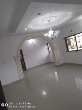 Clean 3 Bedrooms Flat, Upstairs, Thomas Estate, Lekki Phase 1, Ajah, Lagos, Flat for Rent