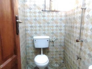 Clean Spacious Miniflat Upstairs, Agunbiade Street, Tejuosho, Yaba, Lagos, Mini Flat for Rent