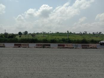 62 Acres of Land, Along Lagos - Ibadan Expressway, Km 46, Ogun, Commercial Land for Sale