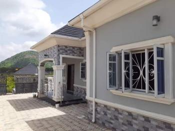 4 Bedroom Bungalow., Elebu ọjà, Off Akala Express Way Oluyole Extension., Ibadan, Oyo, Detached Bungalow for Sale