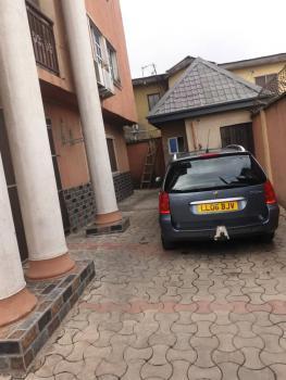 Decent 3 Bedrooms, Agbonyin, Adelabu, Surulere, Lagos, Flat for Rent