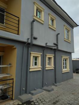 Lovely 2 Bedrooms Flat, Off Fola Agoro Road, Fola Agoro, Yaba, Lagos, Flat for Rent