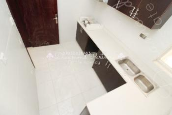 2 Bedroom Serviced Flat. 24 Hours Power Supply, Lekki Phase 1, Lekki, Lagos, Flat for Rent