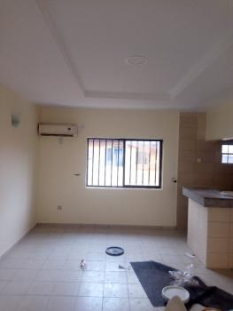 Very Clean and Spacious 1 Bedroom Flat, Off Ademola Adetokunbo Crescent, Wuse 2, Abuja, Flat for Rent