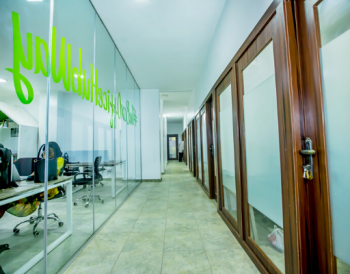 Dedicated Desk with Unlimited Internet & Meeting Room, Box Office Hub, 1473 Albert Osakwe House, Central Business District, Abuja, Office Space Short Let
