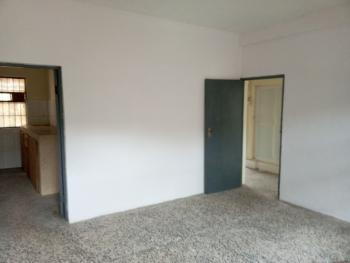 3 Bedroom Flat (ground Floor), Alagomeji, Yaba, Lagos, Flat for Rent
