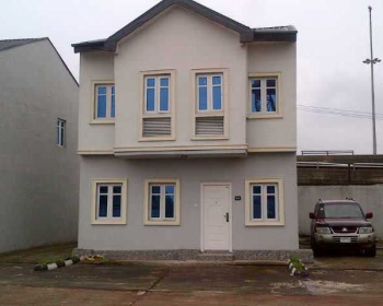 Nicely Built 3 Bedroom Terrace with Bq, Constain, Iganmu, Lagos, Terraced Duplex for Sale