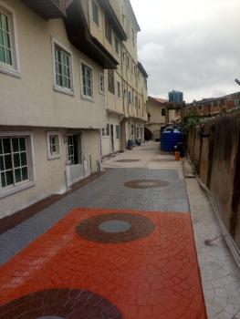 a Newly Renovated Mini Flat with Extra Room & Fantastic Compound., Oworonshoki, Kosofe, Lagos, Mini Flat for Rent