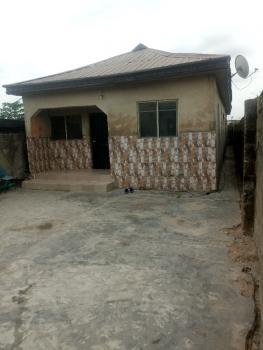 Detached  Bungalow Consists of 2 Units of 2 Bedroom Flat, Oworoshoki, Oworonshoki, Kosofe, Lagos, Detached Bungalow for Sale
