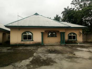 Distress!!! Large Compound for Immediate Purchase, Uyo, Akwa Ibom, Detached Bungalow for Sale