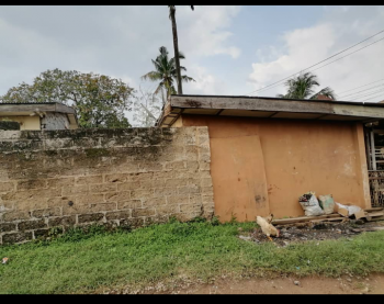 8bedroom Dilapidated Detached Bungalow, Oluyole Extension, Apata, Ibadan, Oyo, Detached Bungalow for Sale