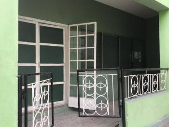 Nice and Well Maintained 2 Bedroom Flat., Sam Shonibare Off Ogunlana Drive., Ogunlana, Surulere, Lagos, Flat for Rent