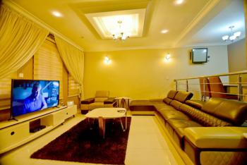 Luxury 4 Bedroom with a  Top Notch Facilities, Lekki Phase 1, Lekki, Lagos, Flat Short Let