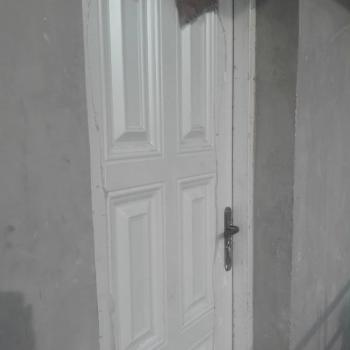 Executive Room Self Contained, Fadeyi, Jibowu, Yaba, Lagos, Self Contained (single Rooms) for Rent