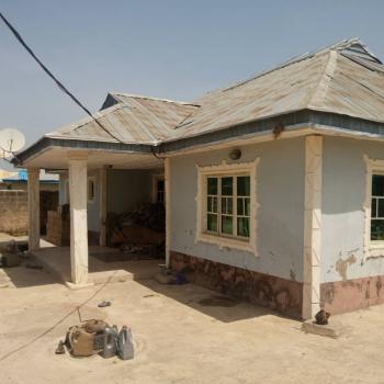 3 Bedroom Bungalow, Adeleye Town,, Ibadan, Oyo, Detached Bungalow for Sale
