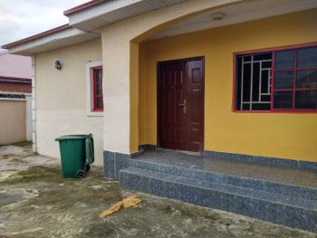 Detached 2 Bedrooms, Trademore Estate, Lugbe District, Abuja, House for Sale