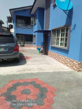 Decent 2 Bedroom Flat, Ogunlana, Surulere, Lagos, Flat for Rent