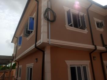 Lovely 3 Bedroom Flat Downstairs with a Ample Parking Space, Magboro, Ogun, Flat for Rent