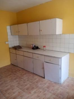 2 Bedroom Apartment Available, Ogunlana, Surulere, Lagos, Flat for Rent