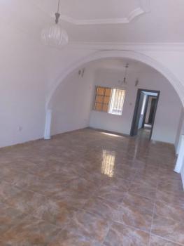 Luxurious 3 Bedroom Flat Upstairs, Maruwa, Lekki, Lagos, Flat for Rent