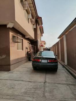 Very Neat 3 Bedroom Flat, Towards Agbowo Express., New Bodija, Ibadan, Oyo, Flat for Rent