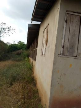 Distress Poultry Farm (pen), Rogun Lisa Village, Obada Oko, Abeokuta South, Ogun, Tank Farm for Sale