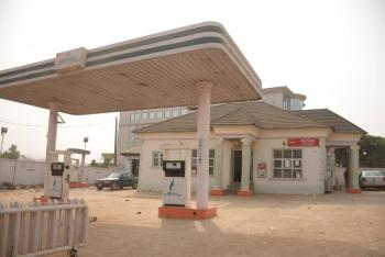 Strategically Located Filling Station, Sanyo Area, Ibadan, Oyo, Filling Station for Sale