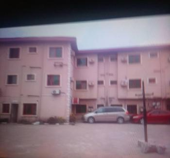 Ensuite 30 Rooms Hotel + 2 Nos 4 Bedroom Duplexes + Swimming Pool, Gbagada, Lagos, Hotel / Guest House for Sale