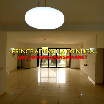 48 Hours Deal! Luxury Well Serviced Apartment!, Off Queensdrive / Off Bourdillon Road, Old Ikoyi, Ikoyi, Lagos, Flat / Apartment for Rent