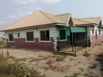 4 Bedroom Flat, Stalion Close, Jenriyin, Akobo, Ibadan, Oyo, House for Sale